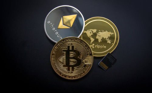 Litigation, cryptocurrency, hardware wallets, trusted sources, bitcoin