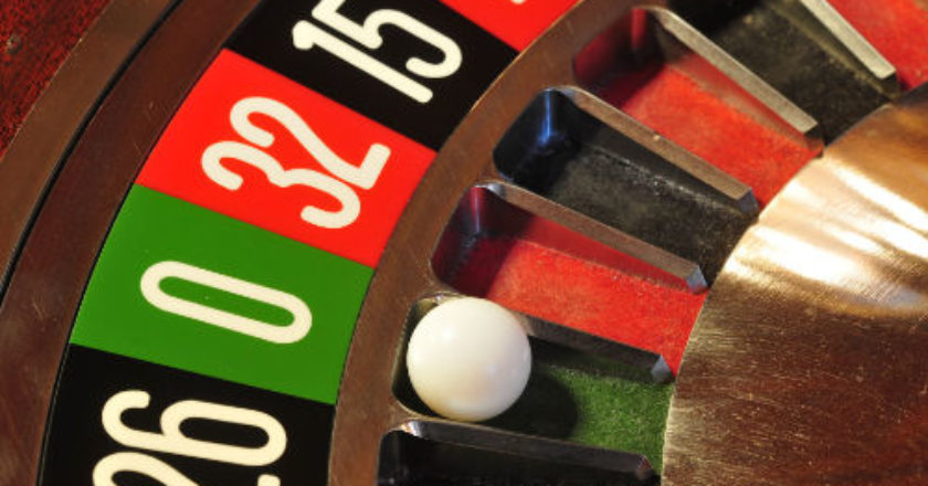 playing roulette, roulette, online casinos, casino software providers, online roulette