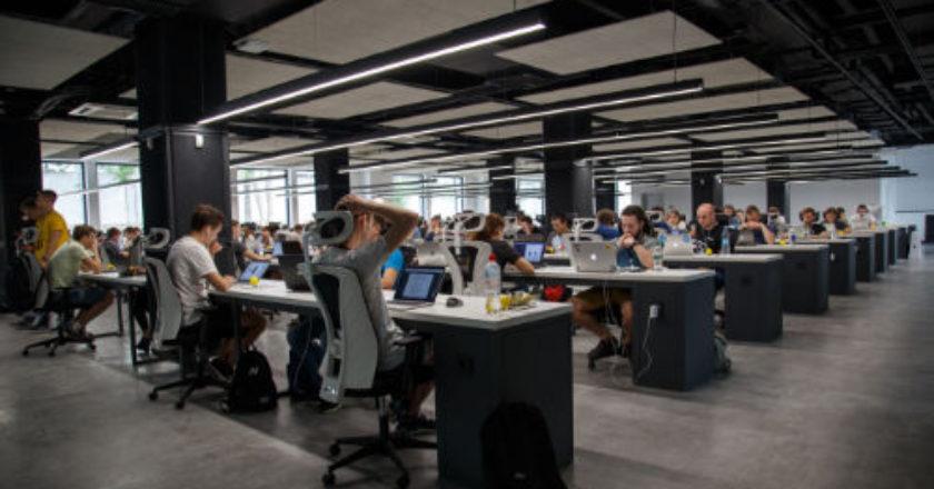 happy employees, employees happy, Internal customers, productive employees, employee satisfaction