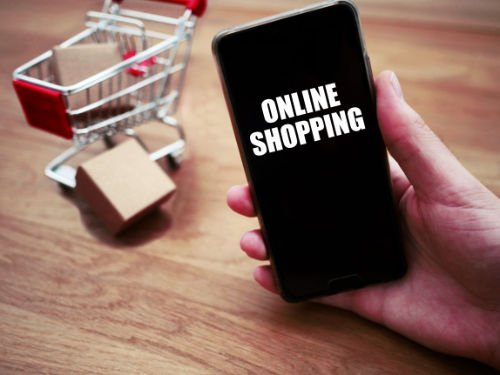 Top Digital Transformation Trends for the Retail Industry, Retail Industry, virtual reality, artificial intelligence, Health Devices