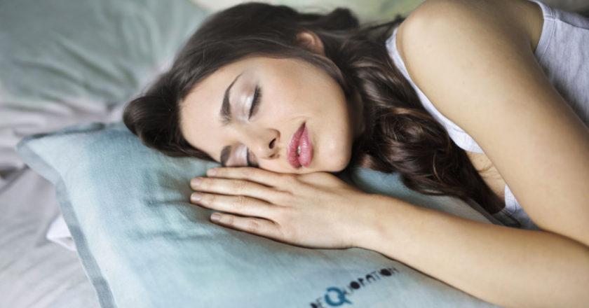 Good Nights Sleep, bright light exposure, catch up on sleep, fall asleep, melatonin