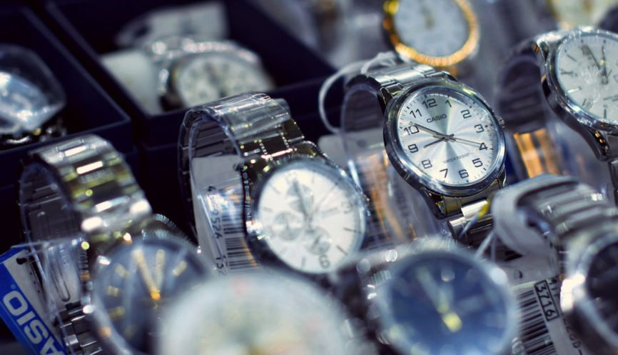 Wristwatch, buy a watch, buying watches, timepiece, smartwatch