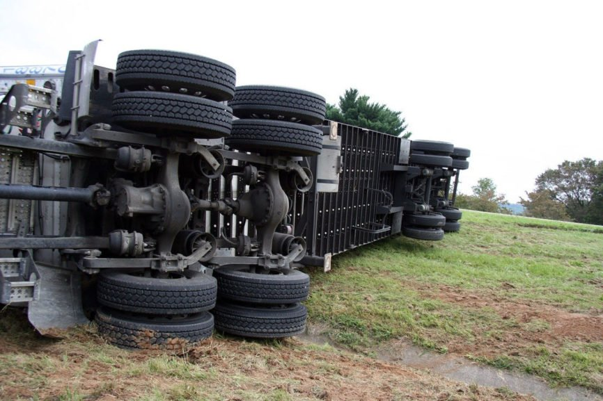 Truck Accident, involved in a truck accident, truck accidents, Accident with 18 wheeler, 18 wheeler truck Accident