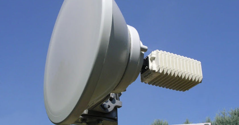 Microwave Links, Bandwidth Output, Signal to noise ratio, Calculating Frequency, Establish A Stable Link