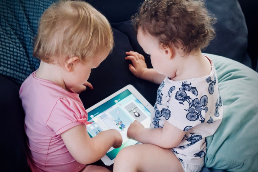 Help Children be tech savvy, Parents Need to Be Tech-Savvy, Tech-Savvy children, Tech-Savvy parents, teach children about technology