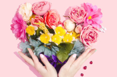 Flowers To Gift, Gift of Flowers, language of flowers, occasions to gift flowers, promo code for flowers