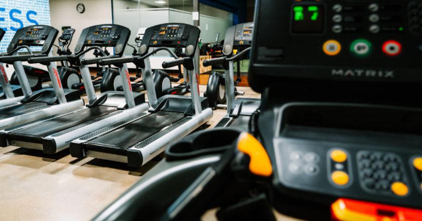 Treadmill Exercising, Exercising on a Treadmill, Pros Of Exercising On A Treadmill, Cons Of Exercising On A Treadmill, Running on treadmills