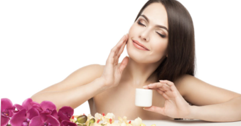 Skincare Tips In Summer, Basic Skincare Tips In Summer, Summer Skincare Tips, Which sunscreen is best, How to look radiant and healthy.