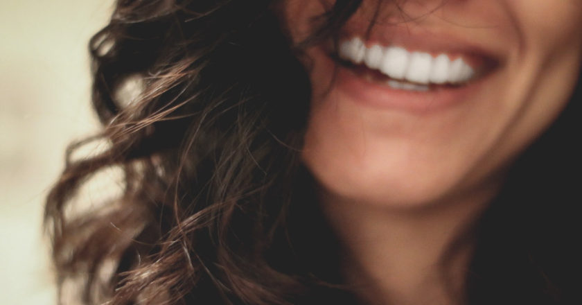 healthy teeth and gums, make your teeth and gums healthy, gum disease, Maintaining proper oral hygiene, enamel erosion
