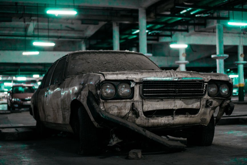 junk cars, signs your car is becoming junk, signs engine burning oil, dashboard warning icons, junk car for cash