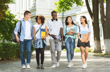Choosing the right college, College Or University Choice, Finding an accredited college, campus environment, Choosing a college or university