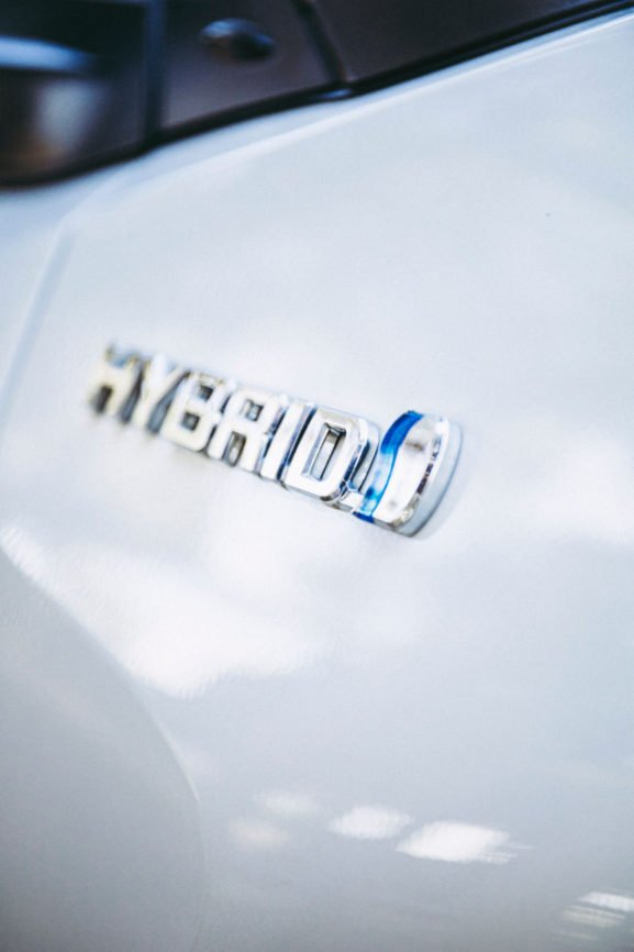 Hybrid Cars, Electric Cars, What are hybrid cars, Benefits of hybrid cars, kinetic energy