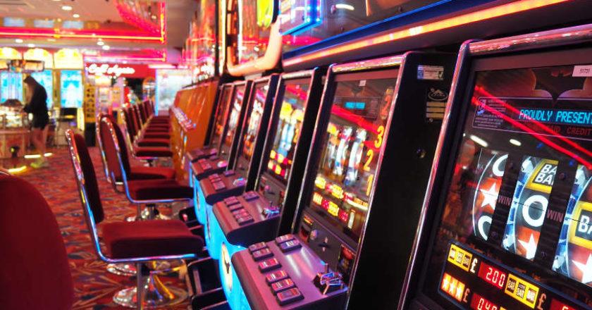 mega reel, complex bonus features, Virtual reality online slots, better graphics, VR casinos