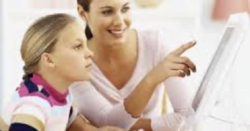 Virtual vs Traditional Homeschooling, Child's Education, Home Schooling Options, Home Schooling, Online homeschools