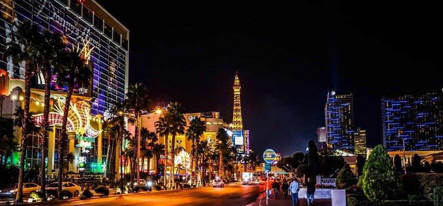 traditional casinos, Brick And Mortar Casinos, Online Casinos, Casino Apps, traditional casinos