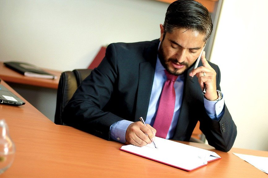 Hire an Attorney, Top Reasons to Hire an Attorney, personal injury Attorney, Finding the Right Attorney, What to do if Charged With a Crime