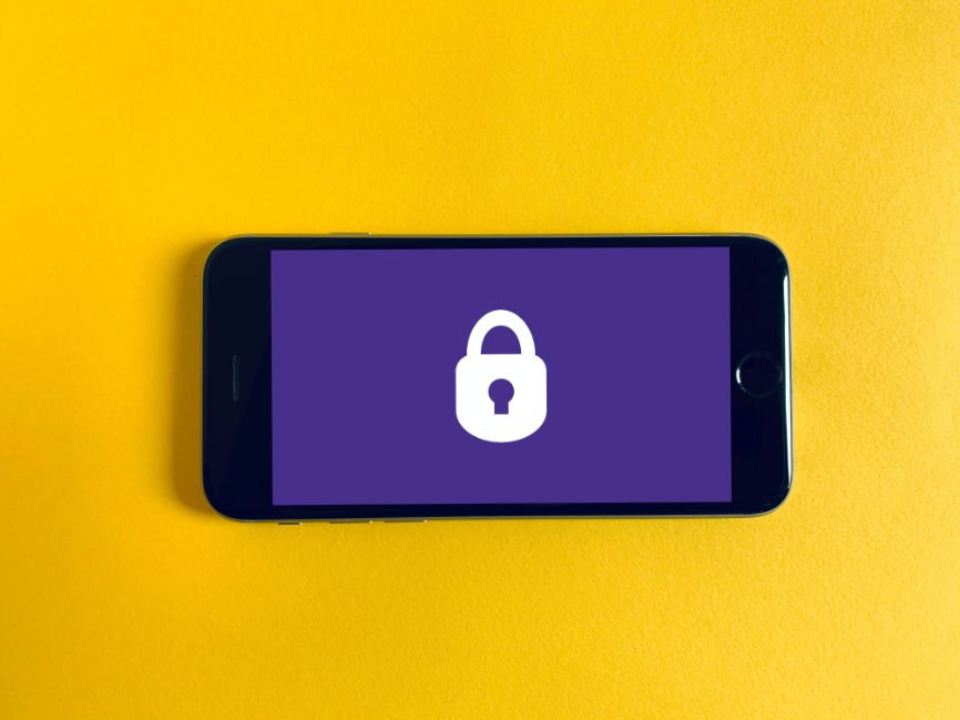 Cell Phone displaying padlock security icon