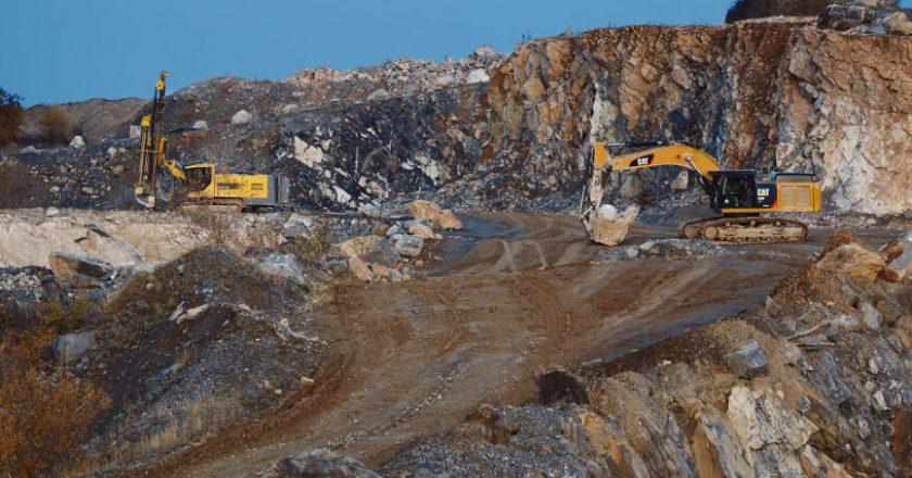 Heaving equipment used in mining
